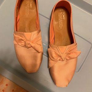 Light Peach Grosgrain Bow Toms